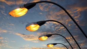 Автомобилисты не замечают пешеходов из-за плохого освещения. Новости Днепра