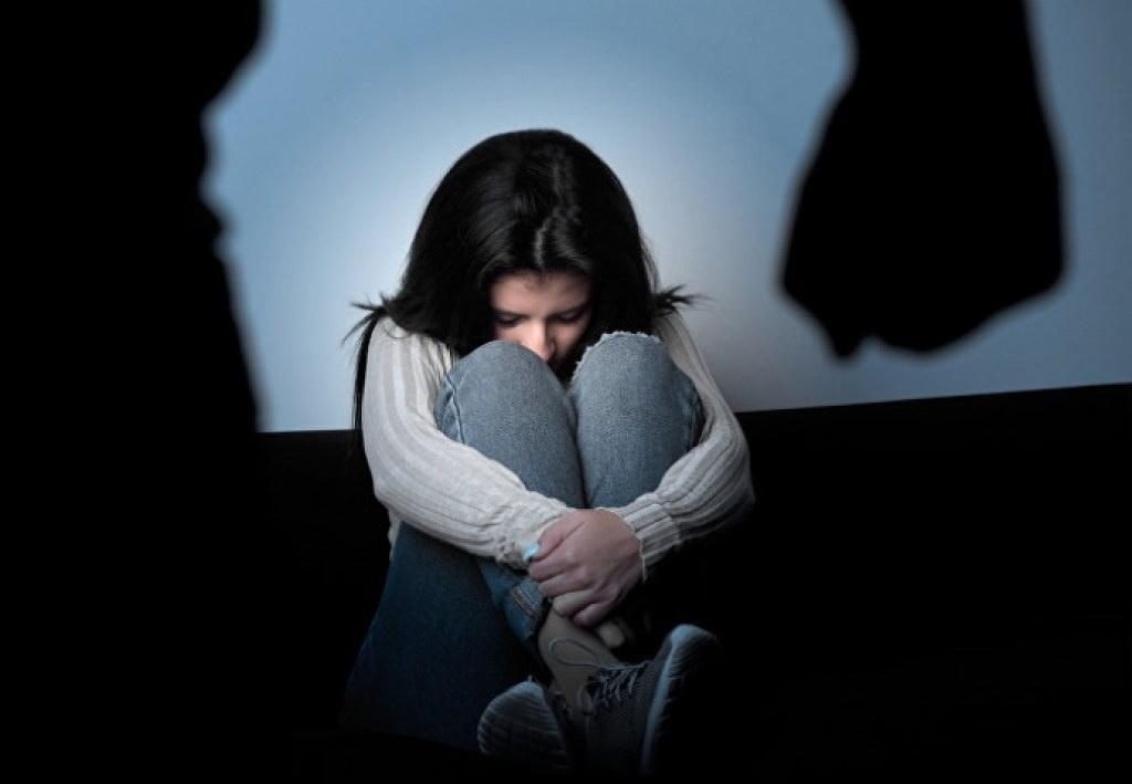 Как понять, что ребенок подвергается насилию: советы психолога. Новости Днепра