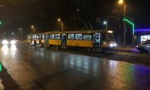 В Днепре трамвай сошел с рельс: движение электротранспорта парализовано