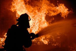 На пожаре пострадали мать и сын. Новости Днепра
