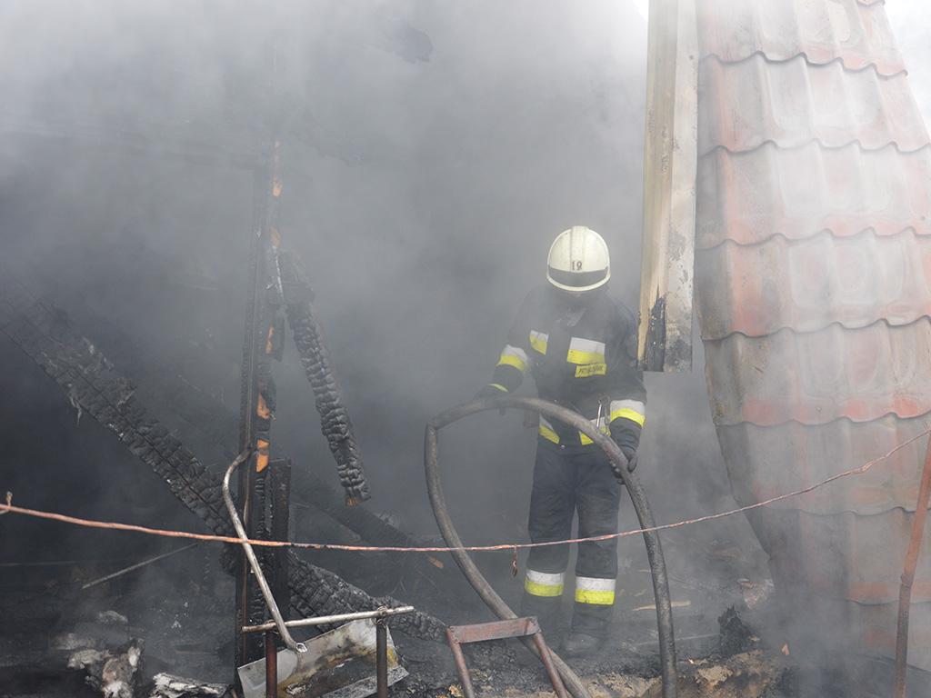 Пожар в Днепре: загорелся дом около одного из наибольших ТРЦ города. Новости Днепра