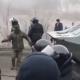 Протесты против приема украинцев из Китая: силовики применили военную технику
