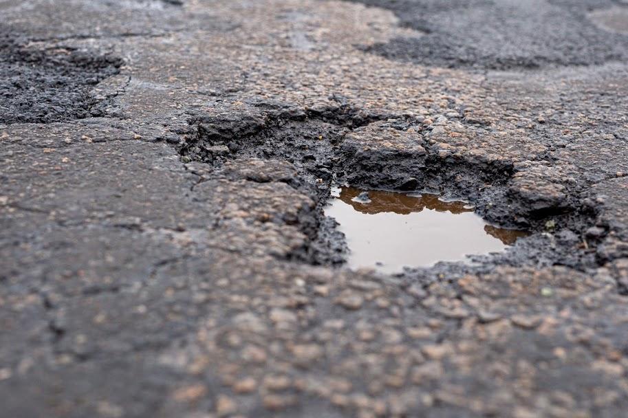 Самые разрушенные дороги Днепропетровщины: какие трассы нуждаются в ремонте. Новости Днепра