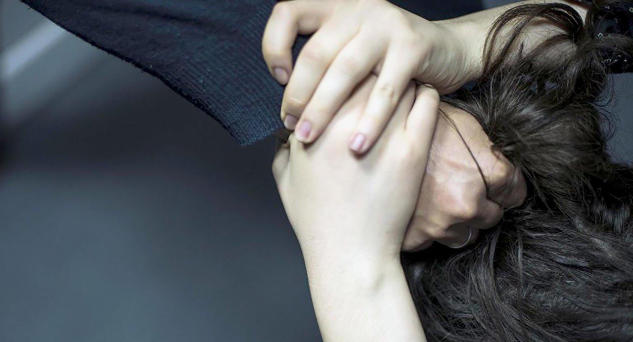 Днепрянин таскал за волосы свою жену и угрожал расправой: какое наказание он понесет. Новости Днепра