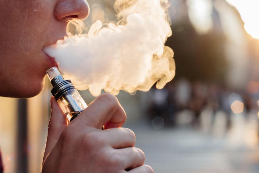 Новости Днепра про Почему электронная сигарета может быть опасной?