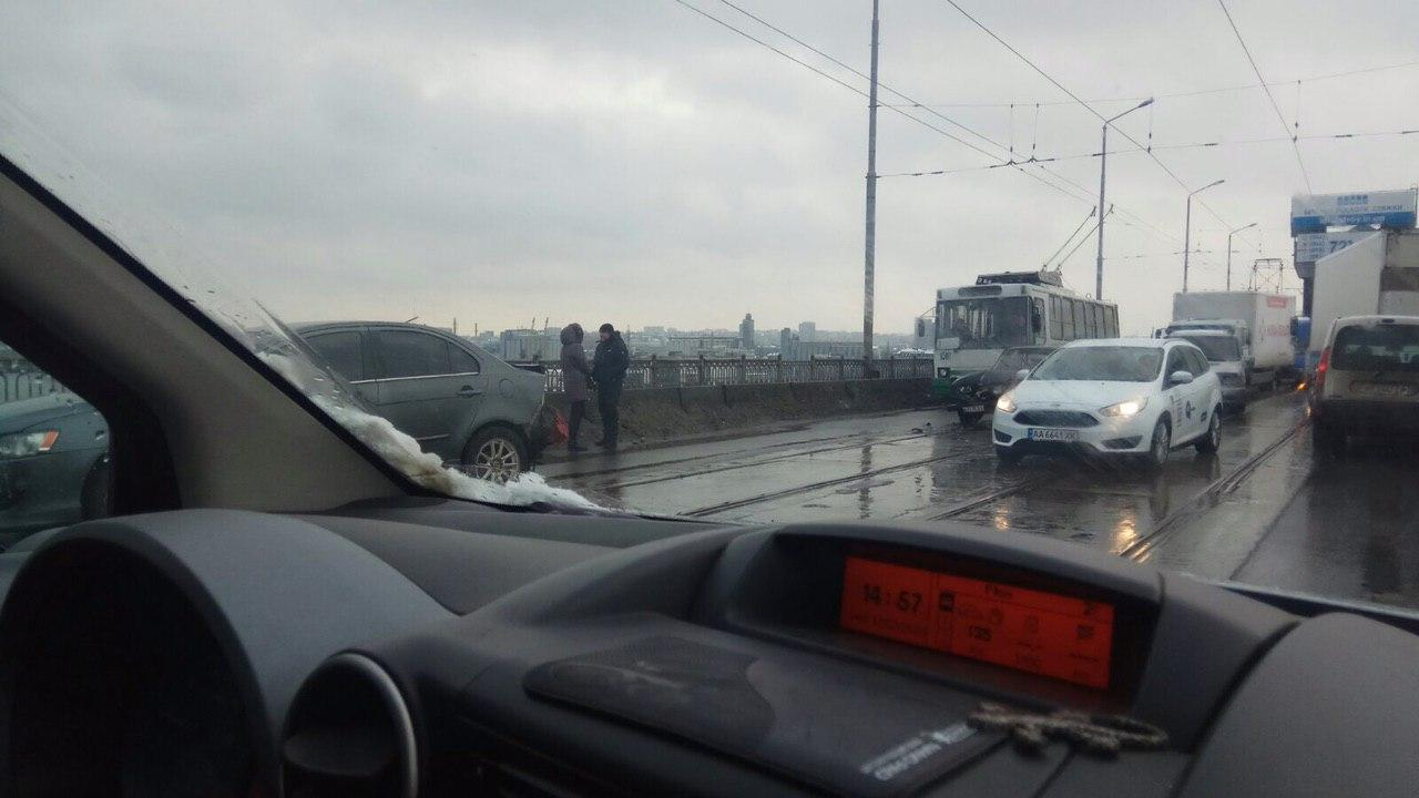 ДТП на Амурском мосту заблокировало движение. Новости Днепра