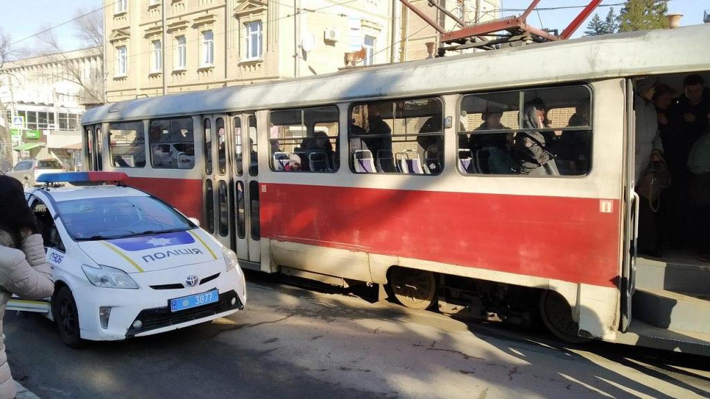Выходил из трамвая: в Днепре сбили пешехода. Новости Днепра
