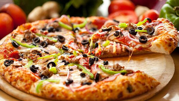 В ресторане посетителей чуть не накормили пиццой с тараканами. Новости Днепра