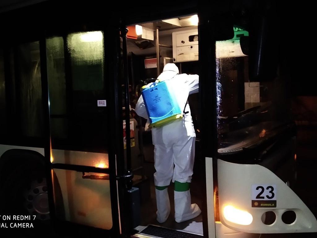 В Днепр привезли людей из-за границы: спасатели провели дезинфекцию. Новости Днепра