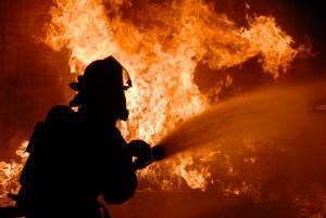 Спасатели тушили пожар. Новости Днепра