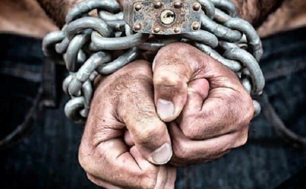 Пытки, избиения и торговля людьми: как издевались над днепрянами. Новости Днепра