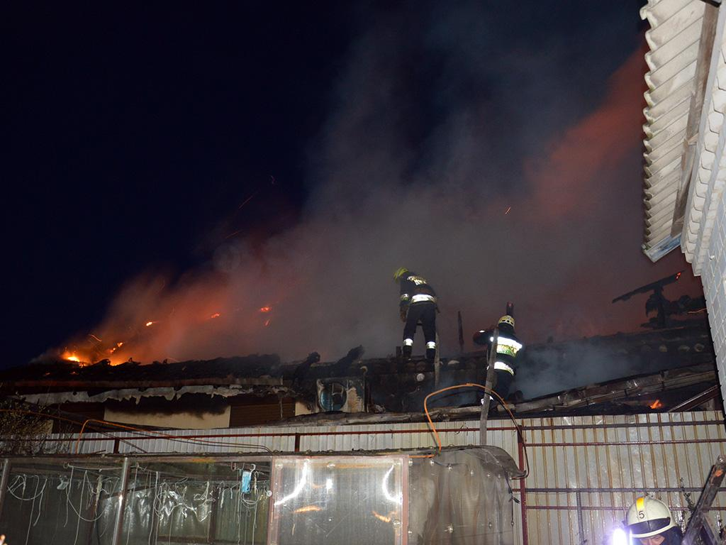 Масштабна пожежа під Дніпром: згорів житловий будинок. Новини Дніпра