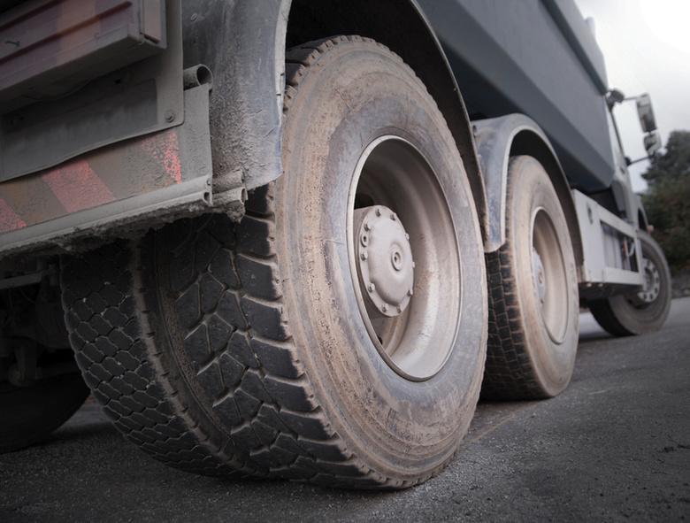 В Днепре грузовик на переходе переехал женщину. Новости Днепра