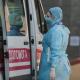 Медработникам, которые борются с коронавирусом, в 3 раза увеличили оклад
