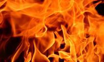 Пожар в Днепре: детей выводили из задымленного дома