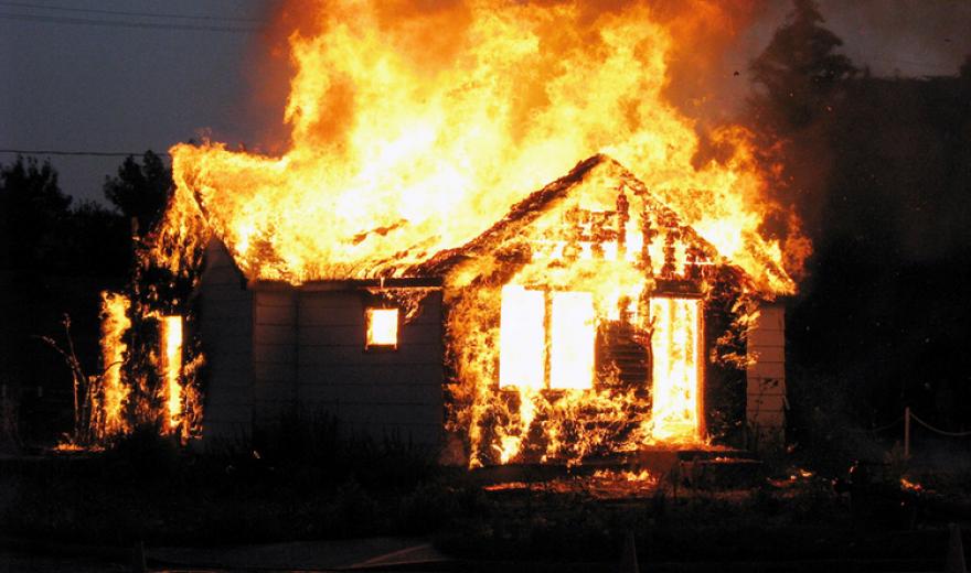 Пожар в жилом доме: спасатели обнаружили тело женщины. Новости Днепра