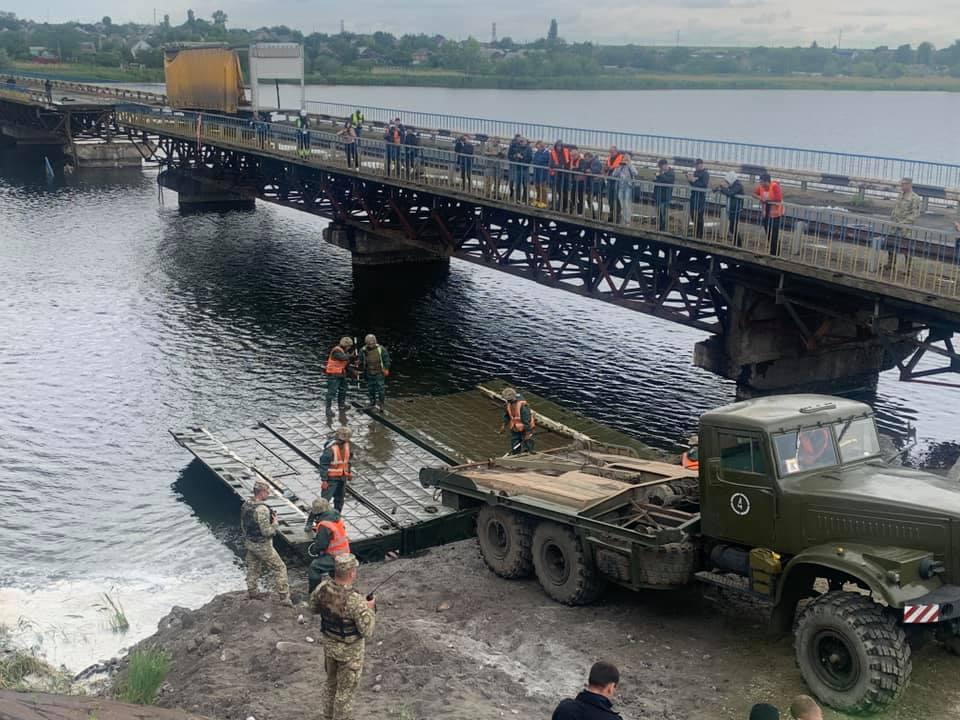 В Алексеевке начали собирать понтонный мост. Новости Днепра