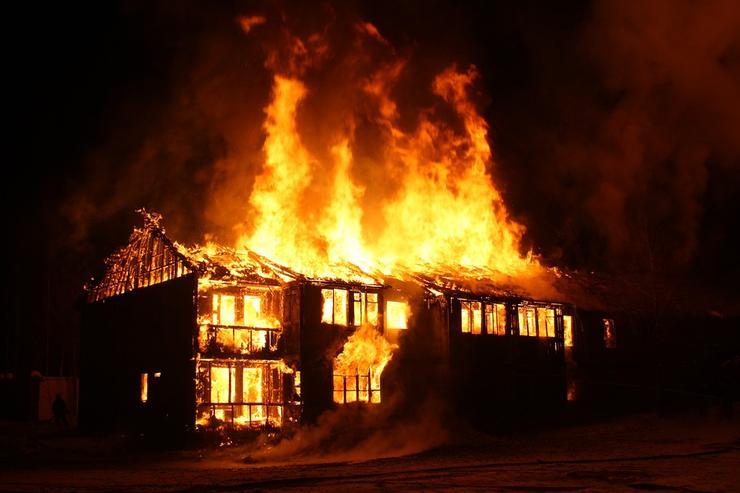 Пока мать была на работе один из ее детей устроил пожар в доме. Новости Днепра