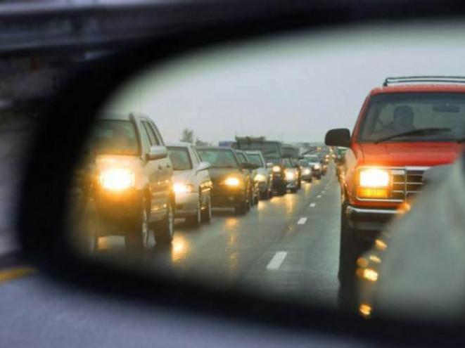 Теперь водители могут не включать ближний свет: какие есть исключения. Новости Украины