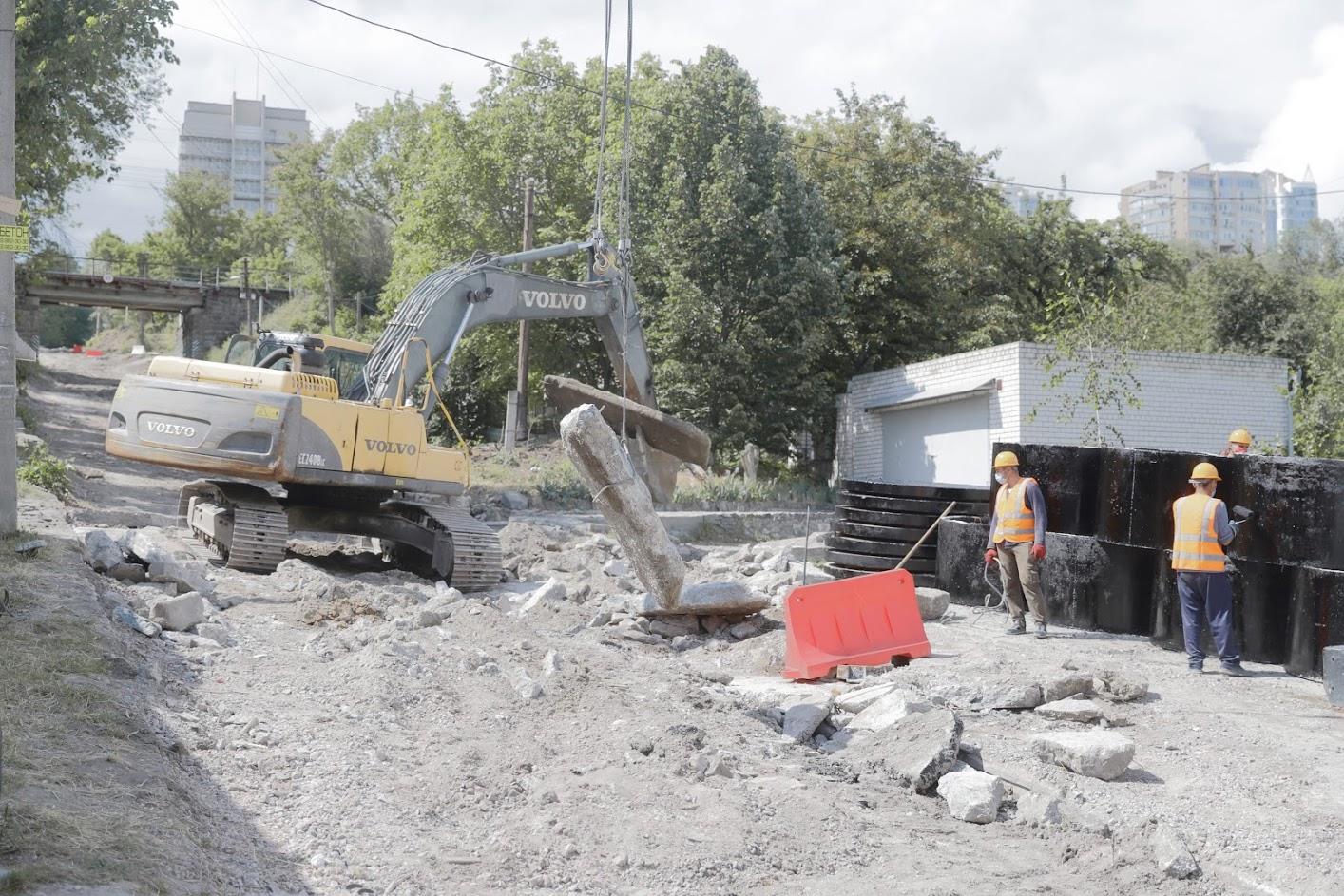 Замена сетей, тротуары и обустройство ливневой канализации: Борис Филатов назвал важные этапы капитального ремонта Крестьянского спуска. Новости Днепра