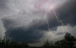Днепрян и жителей области предупредили о сложных погодных условиях и возможной грозе. Новости Днепра