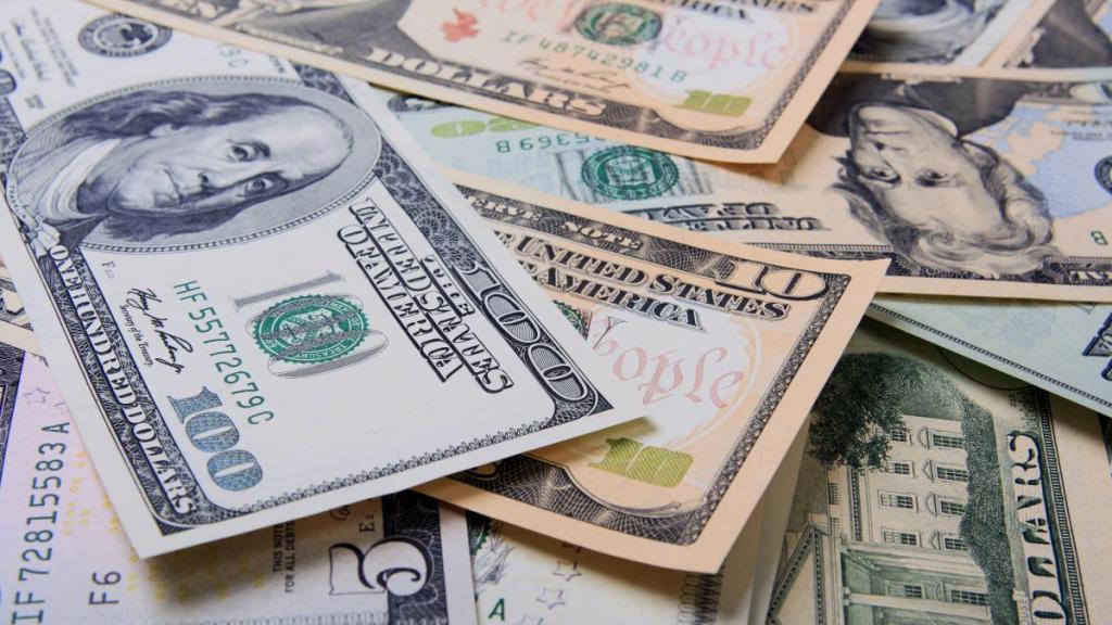 Доллар стоит на месте: курс валют на 6-е мая. Новости Украины