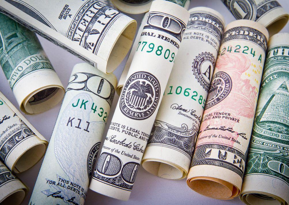 Гривна укрепляется: курс валют на 14-е мая