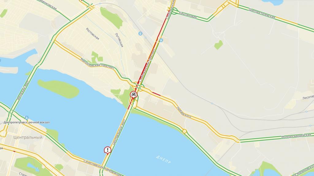 Серьезная пробка: 2 ДТП на Новом мосту в Днепре. Новости Днепра
