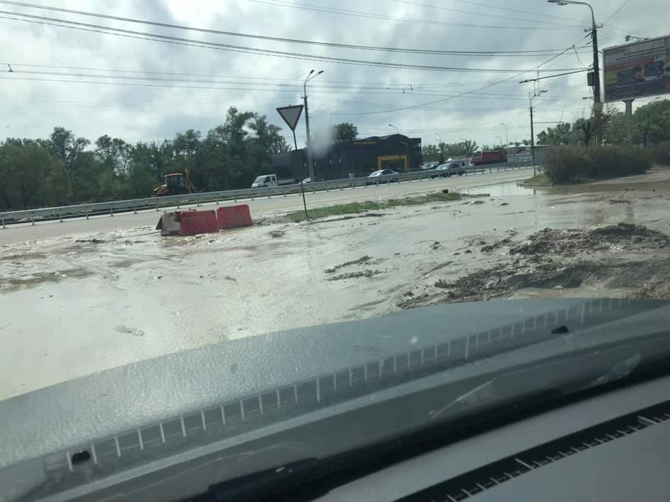 Улицы Днепра затопило водой