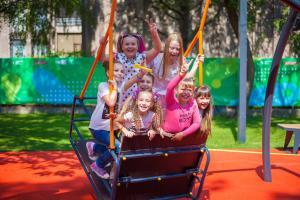 Ровно два года назад в Днепре был открыт построенный нами первый в Украине Инклюзивный детский парк . Новости Днепра
