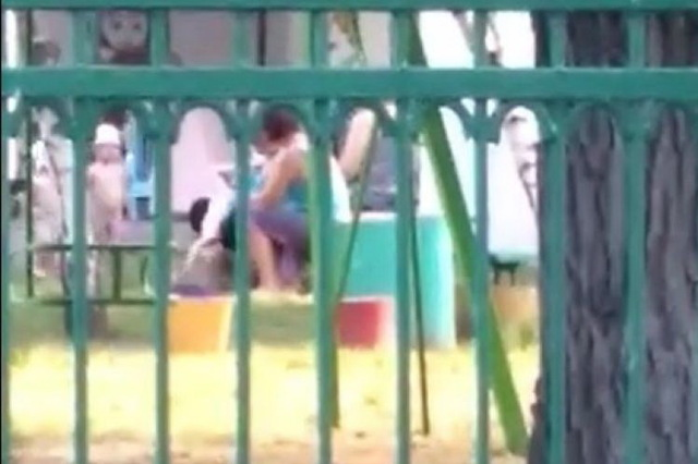 Медсестра учреждения издевалась над ребенком, схватила за ее за ноги, перевернула головой вниз и встряхивала. Новости Днепра