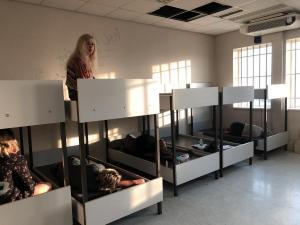 В Афинах на контроле в аэропорту задержали 17 граждан Украины, которые прилетели в Грецию из Киева. Среди задержанных есть дети. Новости Украины