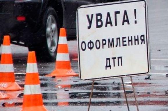 У внедорожника отлетело колесо, движение трамваев оказалось заблокировано. Новости Днепра