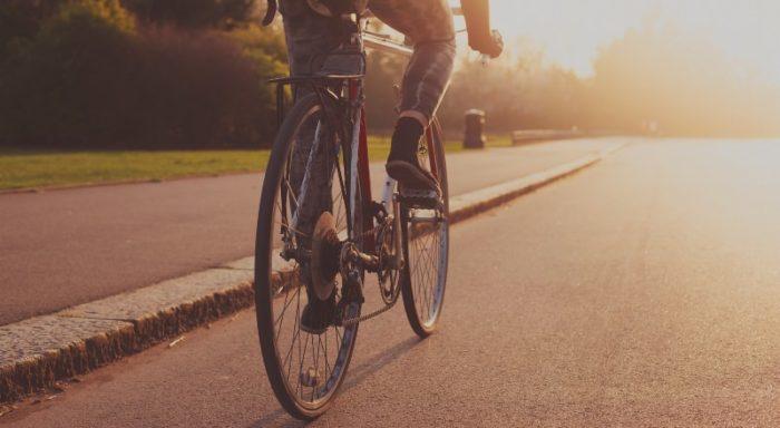 Мужчина травмировался во время езды на велосипеде. Новости Днепра