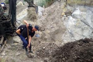 Мужчину и ребенка завалило песком. Новости Днепра