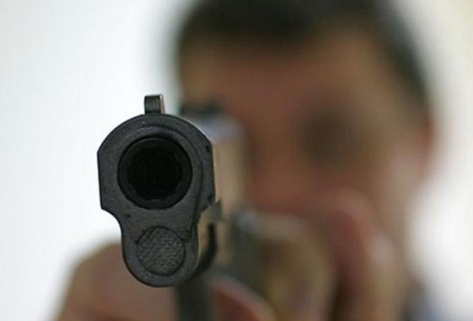 Неизвестный открыл стрельбу и попал в женщину. Новости Днепра