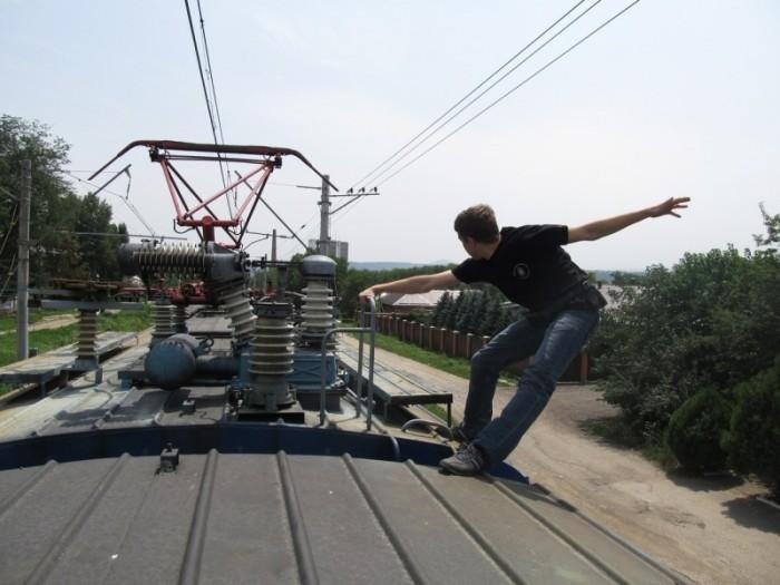 В Днепре мужчина катался на сцепке трамвая. Новости Днепра