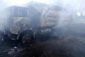 Пламя стремительно распространялось по машине, в итоге, от нее остались металлические конструкции. Новости Днепра