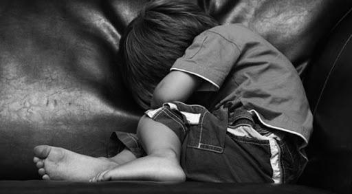 Мальчик сразу же рассказал о том, что случилось, подозреваемый в совершении этого преступления уже задержан. Новости Днепра
