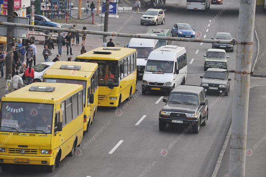 Горожане продолжают игнорировать маски в транспорте. Новости Днепра