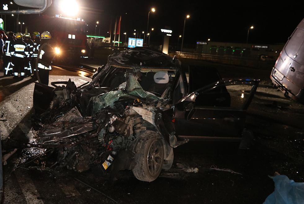 В ДТП на въезде в Днепре погибли 2 человека, еще 3 пострадавших. Новости Днепра