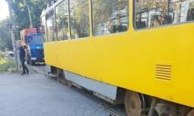 ЧП в центре Днепра: трамвай сошел с рельс, движение ограничено
