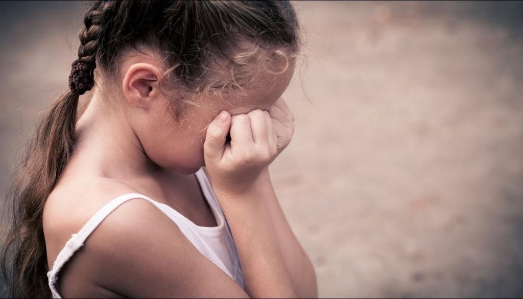 подростки развращали девочек
