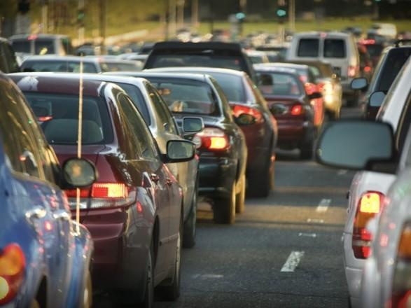 Стало известно, на каких дорогах в Днепре затруднен проезд транспорта. Новости Днепра