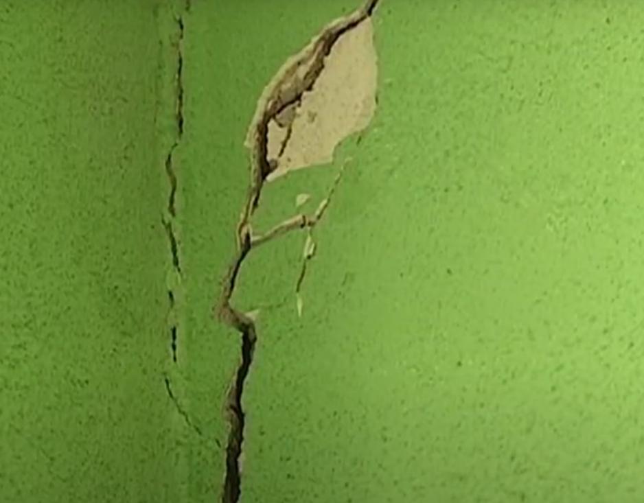 Стены жилого дома покрываются трещинами. Новости Днепра