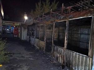 Кроме киоска с текстилем горели еще два, располагающиеся рядом. Новости Днепра