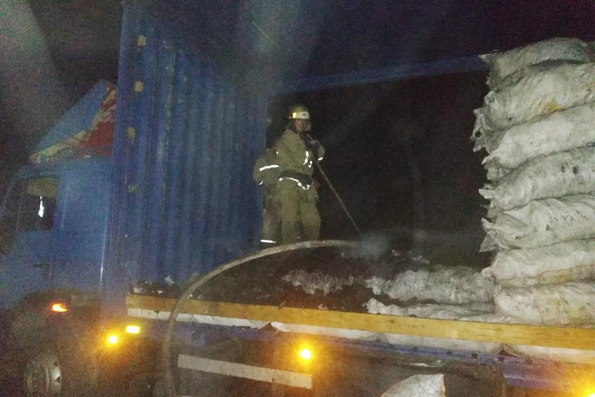 Загорелся грузовик с углем. Новости Днепра