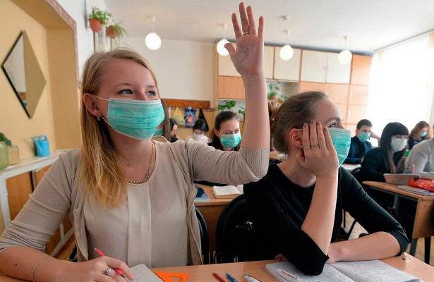 Кто закупит маски для школьников. Новости Днепра