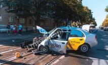 «Машину смяло как жестянку»: в Днепре – серьезное ДТП, есть пострадавший