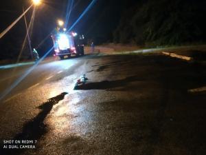 В Днепре на дороге разлили неизвестную жидкость фиолетового цвета. Новости Днепра